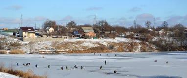 Pêcheurs sur le lac photographie stock libre de droits