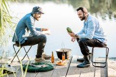 Pêcheurs sur le pique-nique Photographie stock
