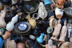 Pêle-mêle chinois de céramique et de poterie Images stock