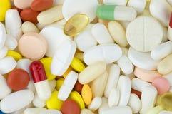 píldoras coloreadas de las drogas imágenes de archivo libres de regalías