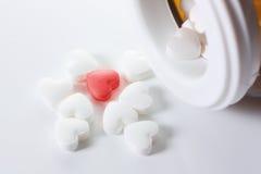 Píldoras de corazones Fotos de archivo libres de regalías