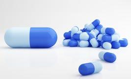 Píldoras de la cápsula, dosificación Fotografía de archivo libre de regalías