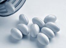 Píldoras de la vitamina Imágenes de archivo libres de regalías