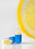 Píldoras de la vitamina C Fotografía de archivo libre de regalías