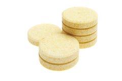 Píldoras en el fondo blanco Fotografía de archivo libre de regalías