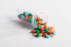 Píldoras en la botella Foto de archivo