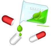 Píldoras herbarias; concepto de la medicina alternativa Foto de archivo libre de regalías