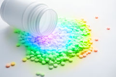 Píldoras multicoloras de la vitamina Imagen de archivo libre de regalías