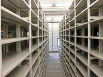 półki mobilny nowożytny storehouse Fotografia Royalty Free