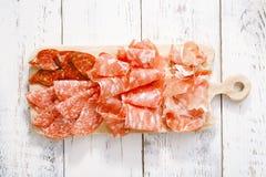 Półmisek serrano jamon Leczący mięso zdjęcia royalty free