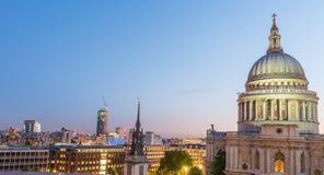 półmrok London Okazałość St Paul katedra obraz royalty free