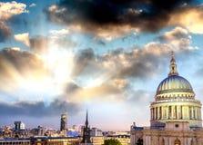 półmrok London Okazałość St Paul katedra zdjęcia royalty free
