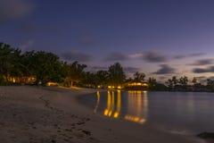 Półmrok na Małej Anse plaży, Seychelles obrazy stock