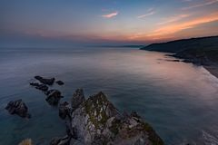 Półmrok nad Hemmick plażą, Cornwall zdjęcie royalty free