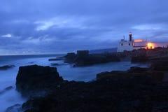 Półmrok przy latarnią morską Raso, Cascais, zdjęcia royalty free