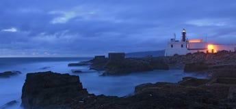 Półmrok przy latarnią morską Raso, Cascais, Lisboa region obrazy royalty free