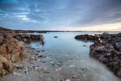 Półmrok przy Portwrinkle w Cornwall fotografia stock