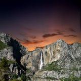 półmroku góry siklawa zdjęcia royalty free