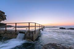 Północ kędzioru kędzioru plaża przed wschodem słońca Fotografia Royalty Free