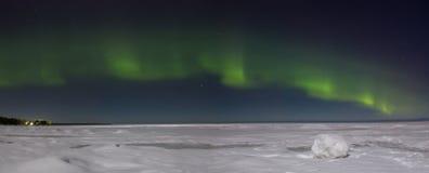 Północni światła nad jeziornym Ladoga Rosja obraz stock