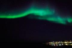 Północni światła nad starym schronieniem Nuuk miasto Zdjęcia Royalty Free