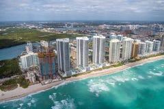 Północni Miami plaży budynki jak widzieć od helikopteru, Floryda Sk Zdjęcia Royalty Free