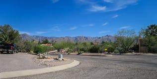 Północny Tucson sąsiedztwa góry dukt zdjęcie stock