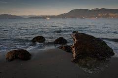 Północny Vanvouver od Jerychońskiej plaży, Vancouver, BC obraz stock