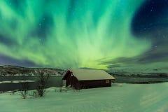 Północnych świateł zorza Borealis w nocy nad a typowo obrazy royalty free