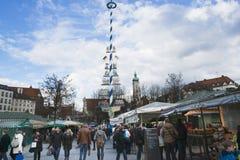 Późne Popołudnie przy wiktuałami Targowy Monachium zdjęcia stock
