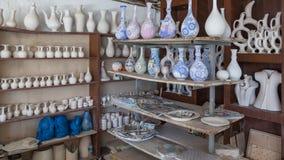 Półki z naczyniami Zdjęcia Stock