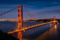 Półmrok przy Golden Gate Bridge od Bateryjnego spenceru Obrazy Stock
