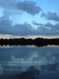 Półmrok przy jeziorem Zdjęcia Stock