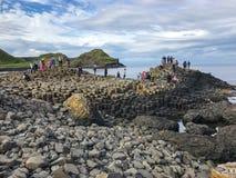 Północny - Ireland oceanu sceneria, giganta droga na grobli Obraz Stock