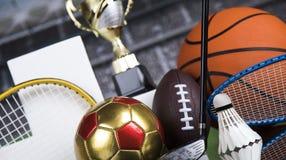 Pódio do esporte, copos da concessão dos vencedores Fotografia de Stock