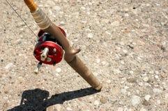 Pólo de pesca de espera Foto de Stock Royalty Free