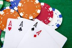 Póquer, quatro ás sobre um fundo Imagens de Stock