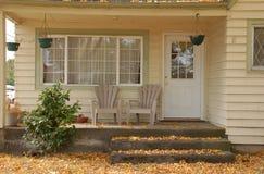 Pórche de entrada en octubre Fotos de archivo
