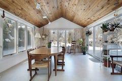 Pórtico con el techo de madera Imagenes de archivo