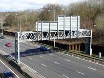 Pórtico de la autopista M25 por el empalme 18, Chorleywood fotos de archivo libres de regalías