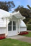 Pórtico de la entrada lateral del invernadero de flores, San Francisc fotos de archivo libres de regalías