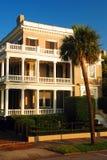 Pórtico y Palmetto, Charleston, Carolina del Sur Foto de archivo libre de regalías