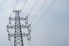 Pôle électrique avec le ciel photos libres de droits