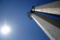 Pôles en hausse à exposer au soleil Photo libre de droits