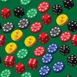 Pôquer Chips Dice e teste padrão sem emenda das moedas Fotografia de Stock Royalty Free