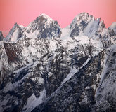 Pôr-do-sol na área nevado do mt Elbrus Fotos de Stock Royalty Free