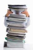 Põr o papel no documento elevado da pilha Fotografia de Stock