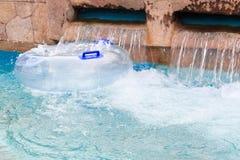 Pölcirkeln i aqua parkerar Arkivbilder