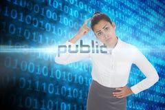 Público contra o código binário azul brilhante no fundo preto Fotos de Stock Royalty Free