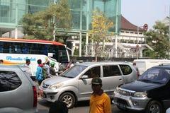 Público del aumento de la tarifa del vehículo de la basura de la acción de la protesta de los motoristas foto de archivo libre de regalías